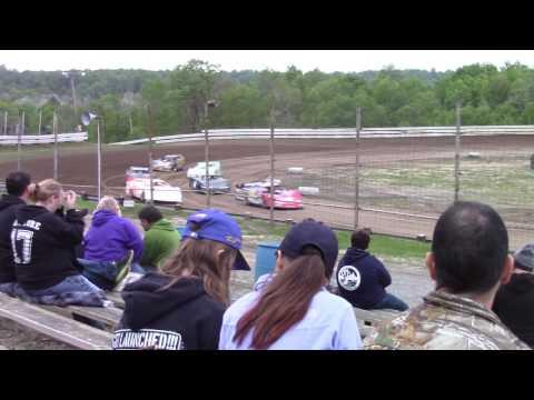 Hummingbird Speedway (5-20-17): BWP Bats Late Model Heat Race