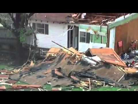 Tornado damage in Van, TX 2015-05-10