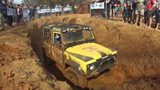 Land Rover Defender stuck - Can't get out!!!!! - Landy Festival 2015