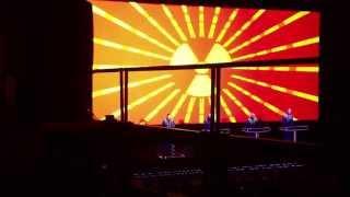 20130513 東京 何やら歌詞に変更が見られます。日本のライブ向けでしょ...