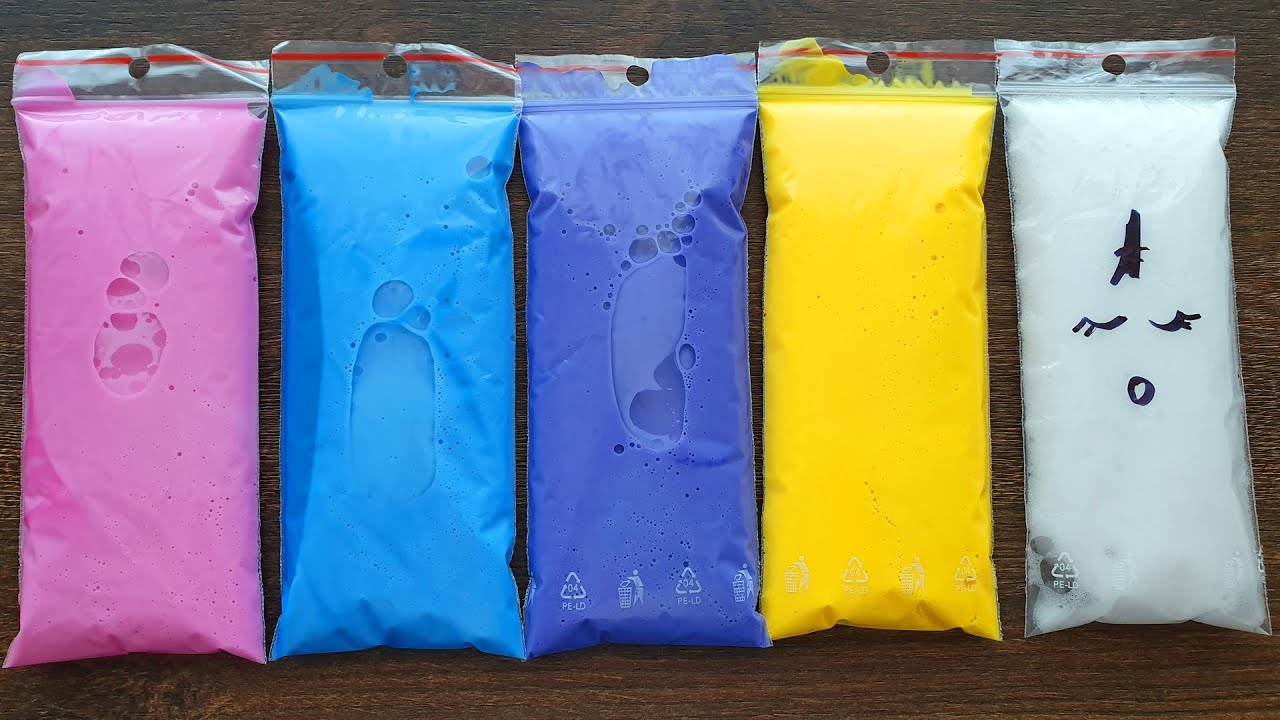 Making Slime with Funny Bags - Izabela Stress