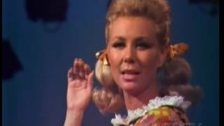 Mitzi Gaynor Goes Country