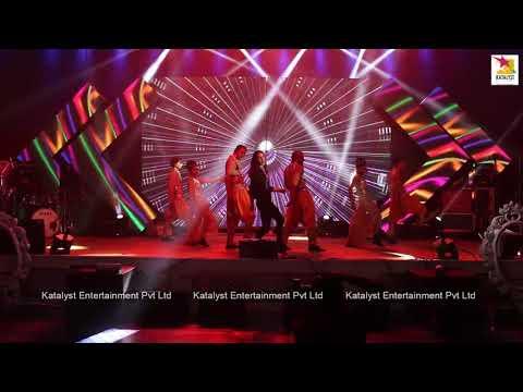Elli Avram   Live Performance   Jugni Peeke Tight Hai   Bam Bam - Kis Kisko Pyaar Karoon   Delhi