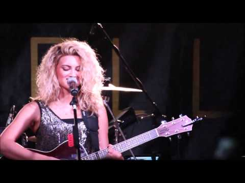 Tori Kelly- Suit and Tie, PYT (Best Crowd Reaction!), Thinkin' Bout You at Cannery Ballroom