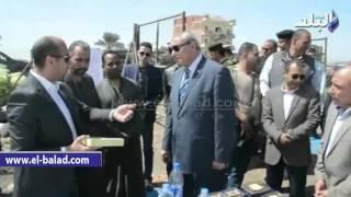 بالفيديو والصور.. محافظ المنيا يتفقد مشروع الصوب الزراعية بالعدوة