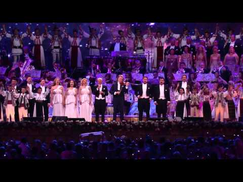 André Rieu Performs Louis Armstrong's What A Wonderful World