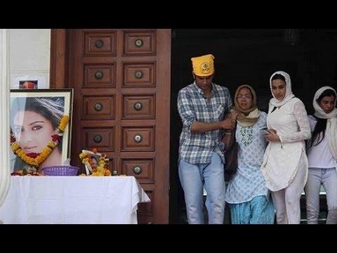 Pratyusha Banerjee Prayer Meet - Kamya Punjabi, Vikas Gupta, Gauhar Khan, Ratan Singh Rajput