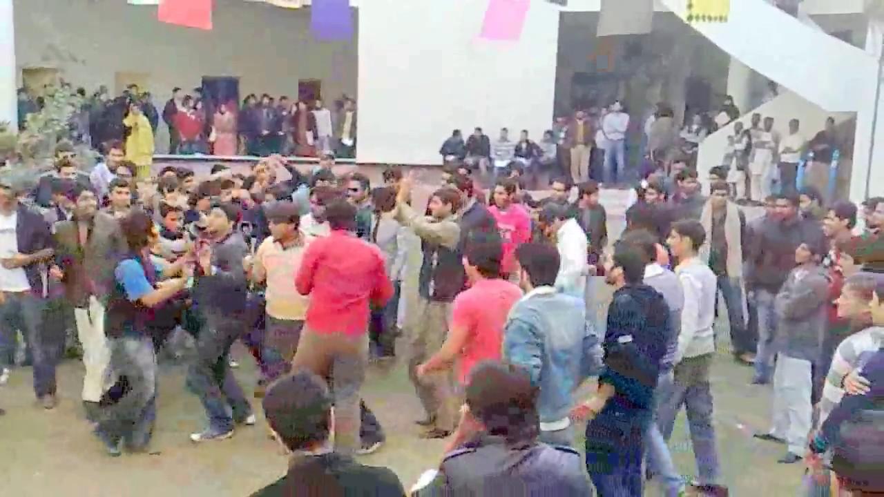 Gift University- CS party opening- 22-12-2011 - YouTube