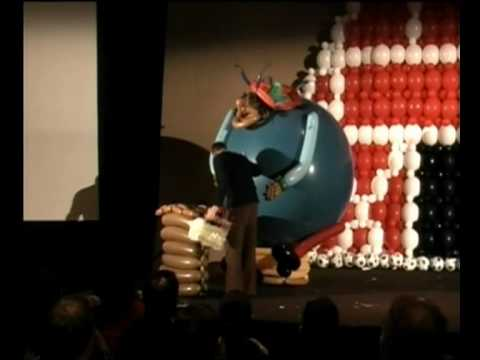 Asi Cohen with his T&S 2007  winning Balloon Show