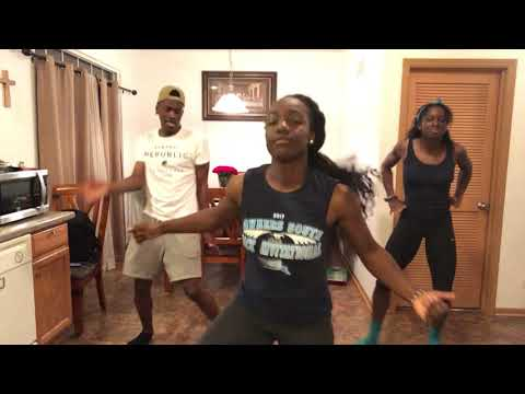 Country Dancin' With The Fam- The Git Up Challenge