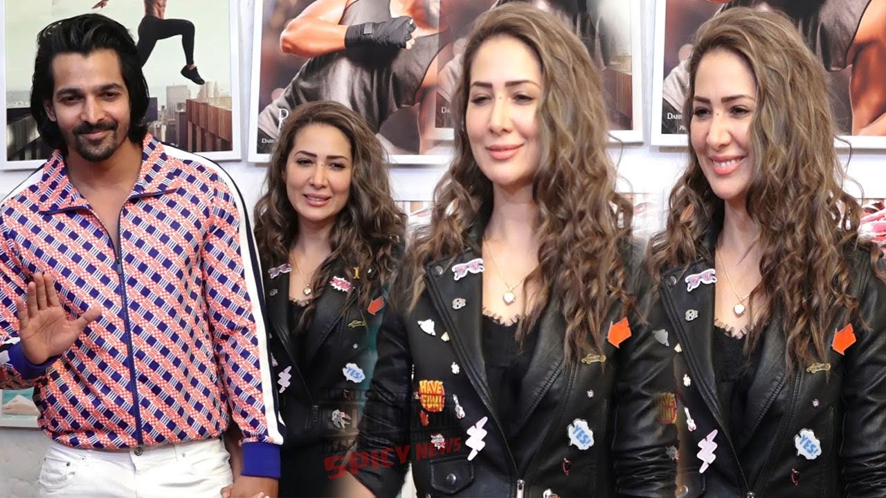 Kim Sharma with Boyfriend Harshvardhan at Dabboo Ratnani Calendar Launch 2019