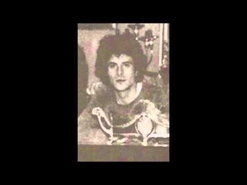 IRULA (Tema Prototipo de Mujer Fatal-1985)
