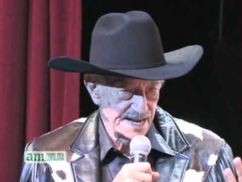 Entrevista a Mario Almada.