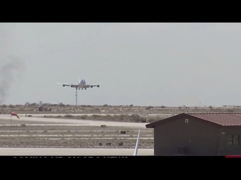 WATCH: The Most Impressive Air Force One Landing You'll Ever See! President Trump to Phoenix Rally