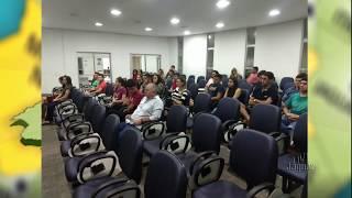 Universitários de Limoeiro que estudam fora da cidade cobram da prefeitura apoio no transporte escol