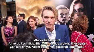 Teen: Lily Collins & Jamie Campbell Bower & Kevin Zegers at TMI Premiere (TR Altyazılı)