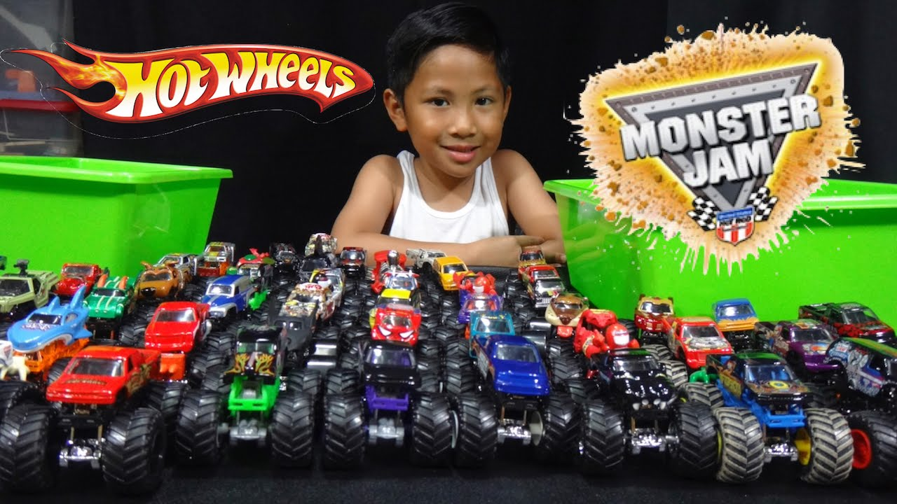 Hot Wheels Monster Jam Truck Collection And Truck Loop Race Track Youtube