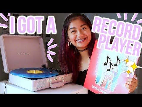 I GOT A RECORD PLAYER! Unboxing&Review | JuliannXo