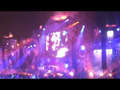 David Guetta vs Nicky Romero vs Afrojack Live @ Tomorrowland 2013 (I need your love)
