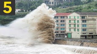 5 large waves vs buildings