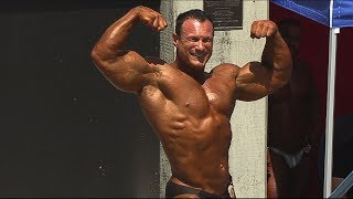 Tony Huge Bodybuilding Posing Routine at Muscle Beach in 4K