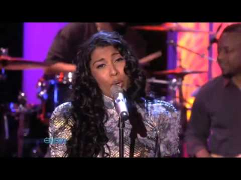Melanie Fiona - It Kills Me (Ellen Live)