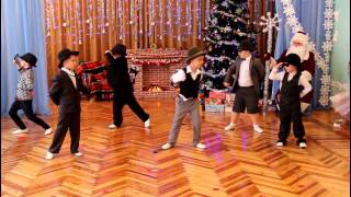 Танец сыщиков. ДОУ №8