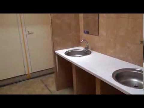 Общий коридор, душевая и туалет