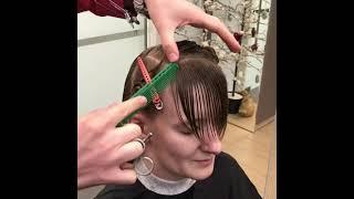 Как стричь косую челку в женской стрижке