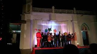 EPIC FAIL! Funny Christmas Dance by Santa Claus!