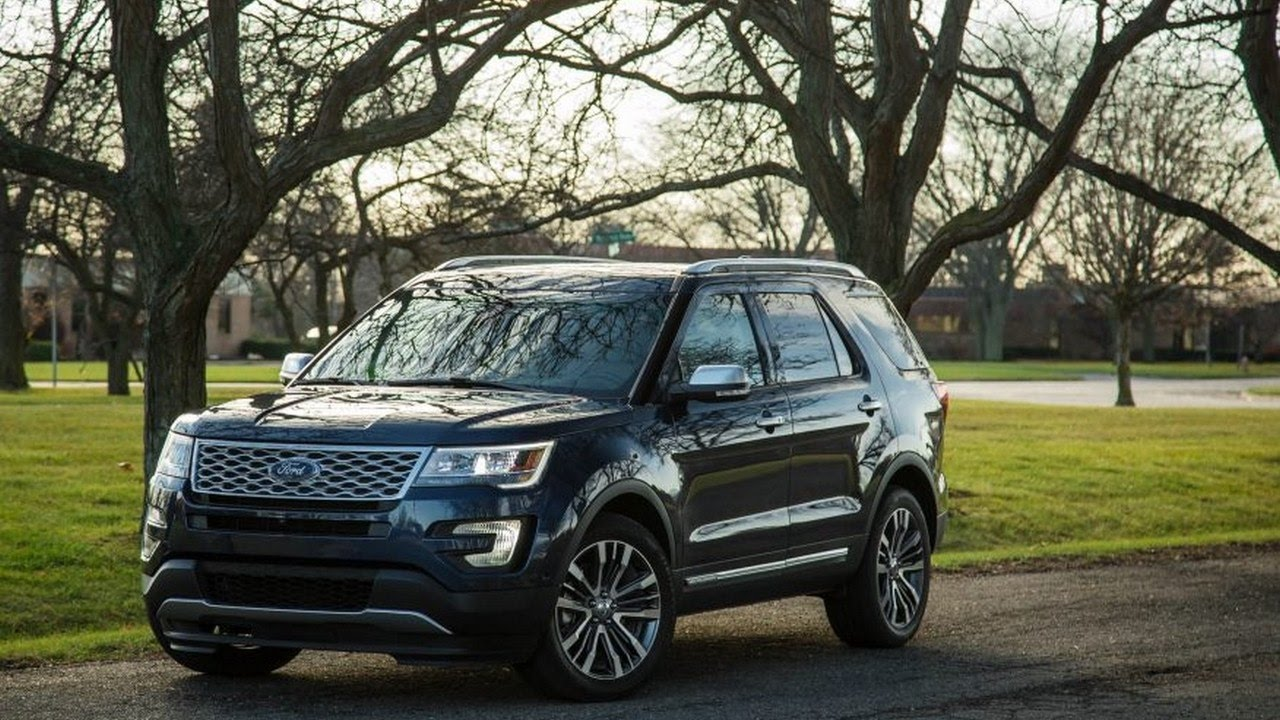 look this 2017 ford explorer platinum review pricing features youtube. Black Bedroom Furniture Sets. Home Design Ideas