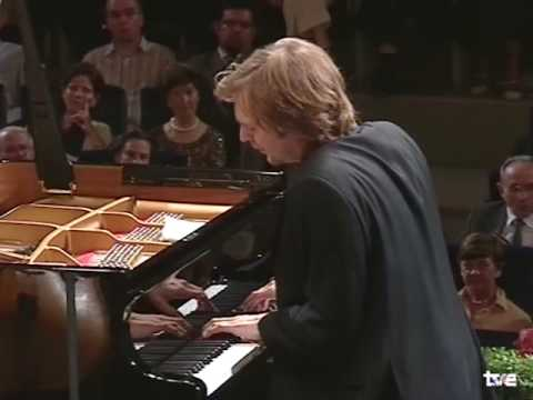 Herbert Schuch plays Beethoven - Piano Concerto no. 5