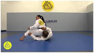 Gracie South Bay – Technique of the week with Leticia Ribeiro