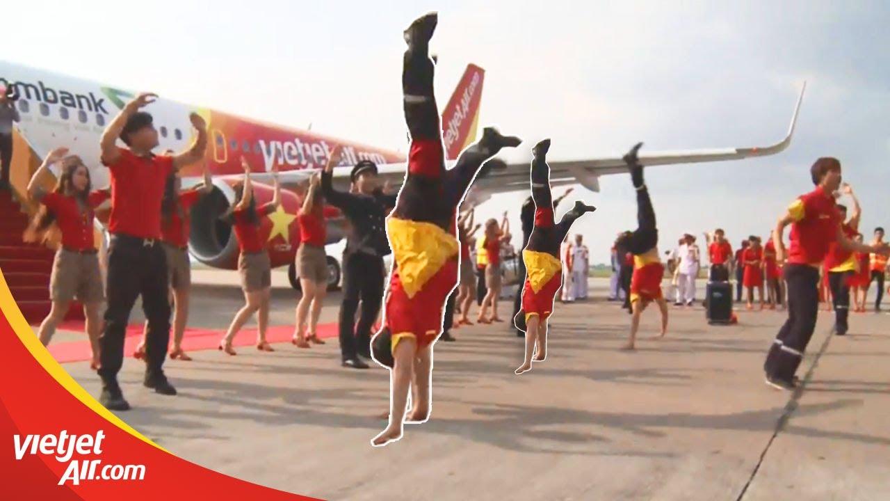 Phi công, tiếp viên Vietjet nhảy flashmob đỉnh cao chào mừng tàu bay mới