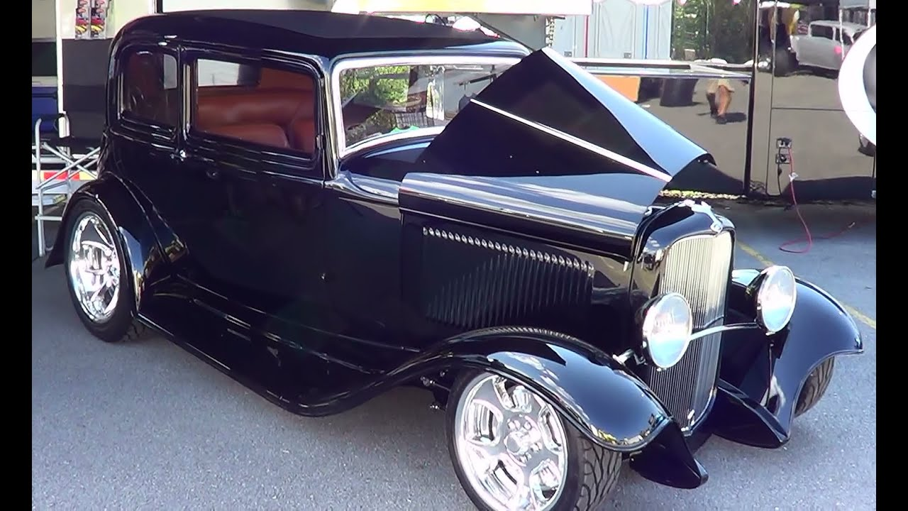 1932 Ford Victoria Street Rod of the Year 2012 \