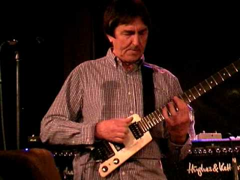 ALLAN HOLDSWORTH BRINGS BACK THE WHITE STEINBERGER,  4-23-09
