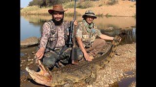 ابو زايد يشوي التمساح في جنوب أفريقيا