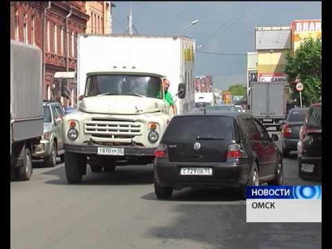 На перекрестке Масленникова-Пушкина появились временные знаки о запрете проезда