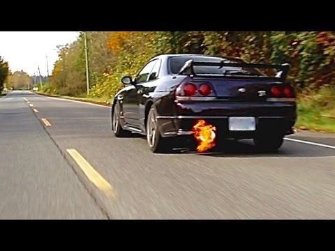 Nissan Skyline R33 GTR Review   A Sensory Overload
