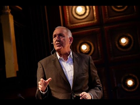 Keynote: The Power of Nonverbal Communications | Joe Navarro | CMX Summit West 2015