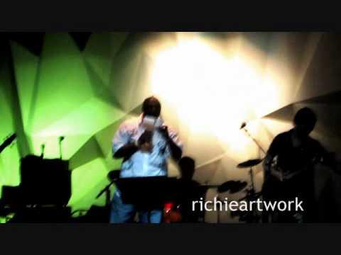 Umaasa Lang Sayo Isiak Live with Six Part Invention