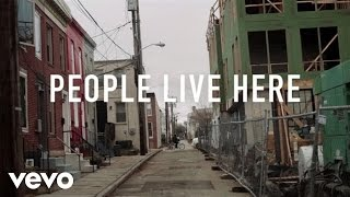 Смотреть клип Rise Against - People Live Here