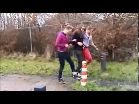Overvliegen Anne, Vera en Hannah
