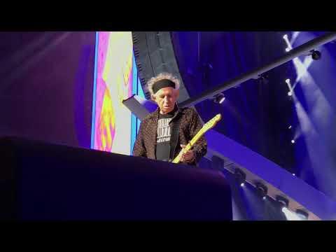 Jumpin' Jack Flash - The Rolling Stones live in Stockholm Sweden 12.10.17
