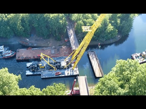 Salvage Operation with HEBO LIFT 5 Floating Crane