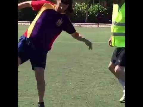 Pablo Iglesias Jugando Al Futbol Dia De Reflexion Campana Electoral