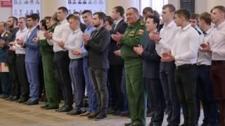 Вручение погон выпускникам факультета военного обучения
