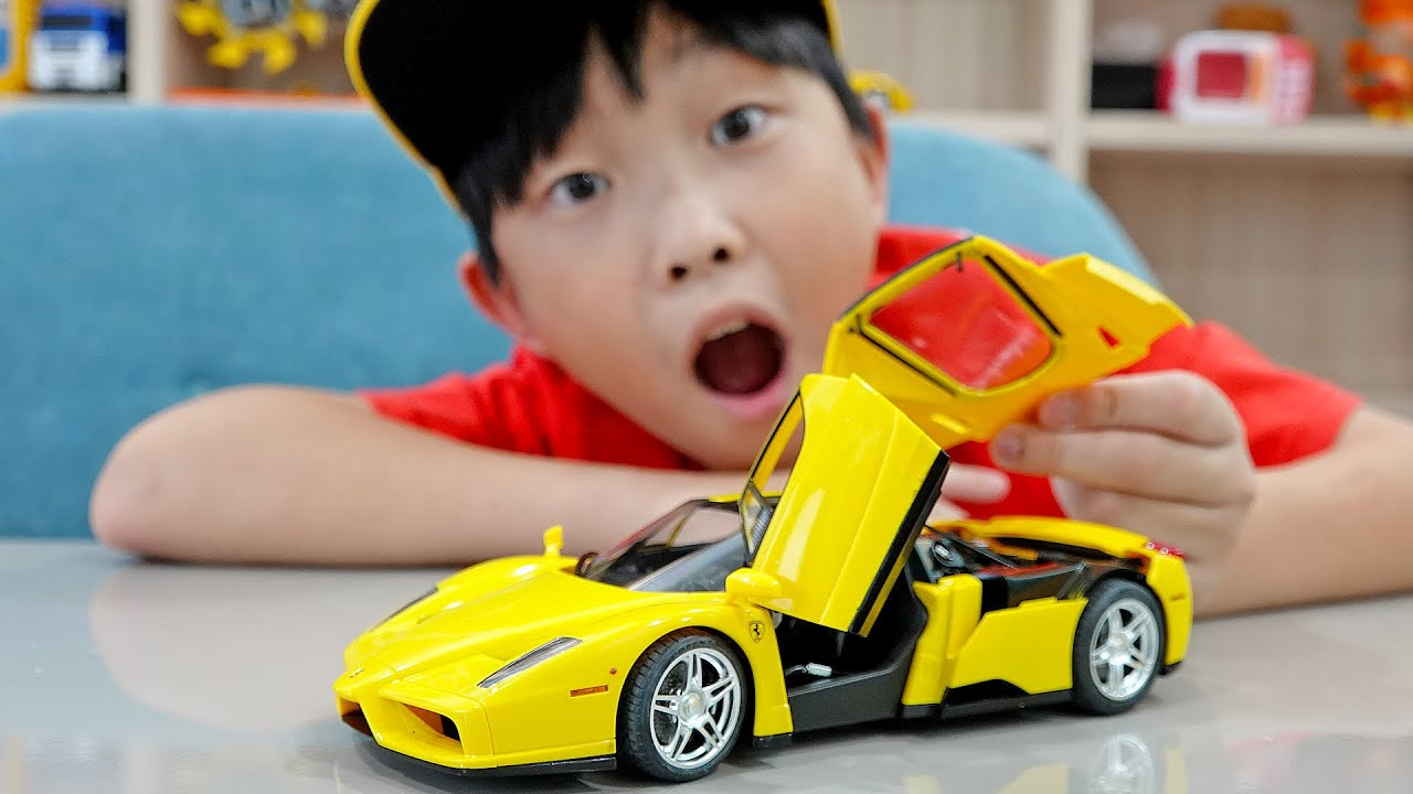 예준이의 슈퍼카 자동차 장난감 조립놀이 게임 플레이 Super Car Toy Assembly