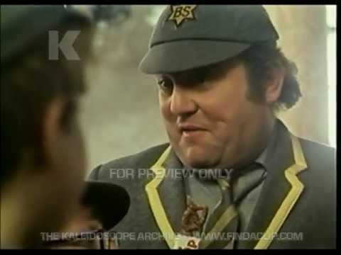 Cadburys Curly Wurly Commercial - Only 3p - Museum - Terry Scott - 1970s