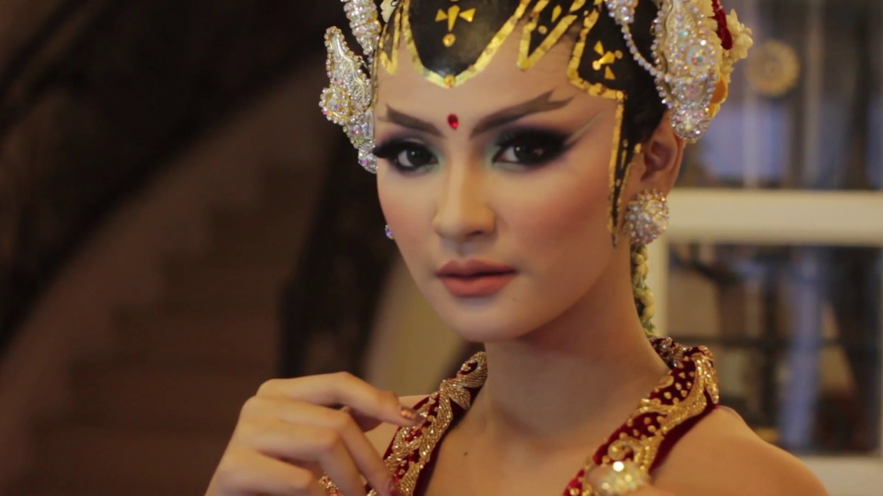 Make Up Artist By Ratu Wedding Adat Jawa Modern Qemil Gaul Rahma
